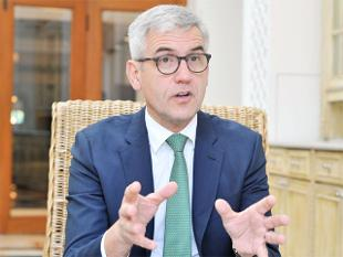 I see India\'s role as an export hub, says ABB CEO Ulrich Spiesshofer