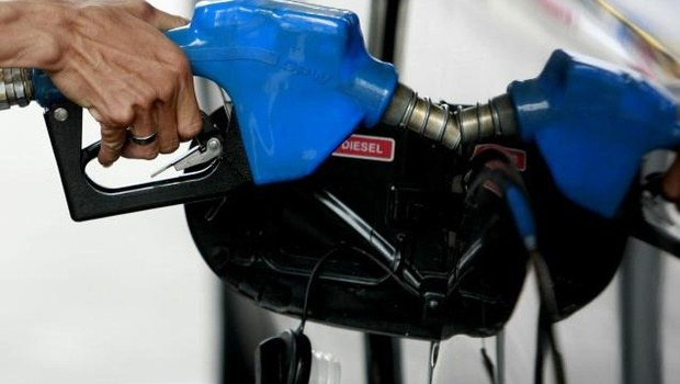 AP Hikes VAT on Petrol, Diesel by Rs 4 per Litre