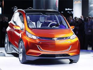 General Motors shows Chevrolet Bolt electric vehicle concept with 200-mile driving range